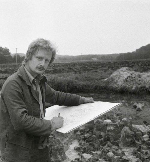 Aleksiejus Luchtanas 1986 m. Kernavės miesto tyrinėjimuose. Fotografas Alfredas Pliadis