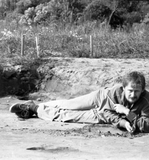 1990 m. kapinynas prie Neries. Preparuoja – A. Luchtanas. Fotografas nežinomas