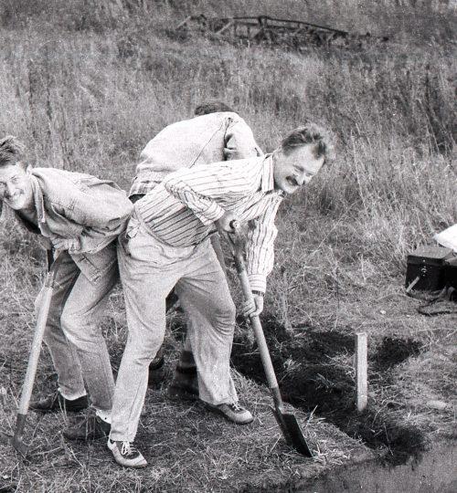 1994 m. Trys tyrėjai susirėmę. Fotografas nežinomas